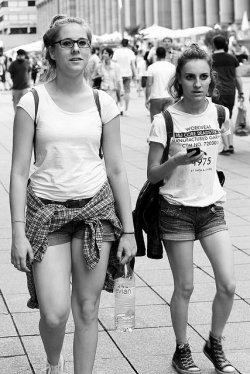 dziewczyny na spacerze